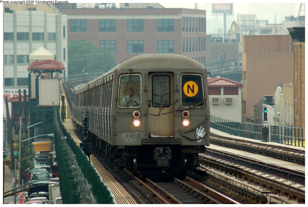 (143k, 1044x701)<br><b>Country:</b> United States<br><b>City:</b> New York<br><b>System:</b> New York City Transit<br><b>Line:</b> BMT Astoria Line<br><b>Location:</b> 30th/Grand Aves. <br><b>Route:</b> N<br><b>Car:</b> R-68 (Westinghouse-Amrail, 1986-1988)   <br><b>Photo by:</b> Christopher Esposito<br><b>Date:</b> 7/27/2006<br><b>Viewed (this week/total):</b> 2 / 3386