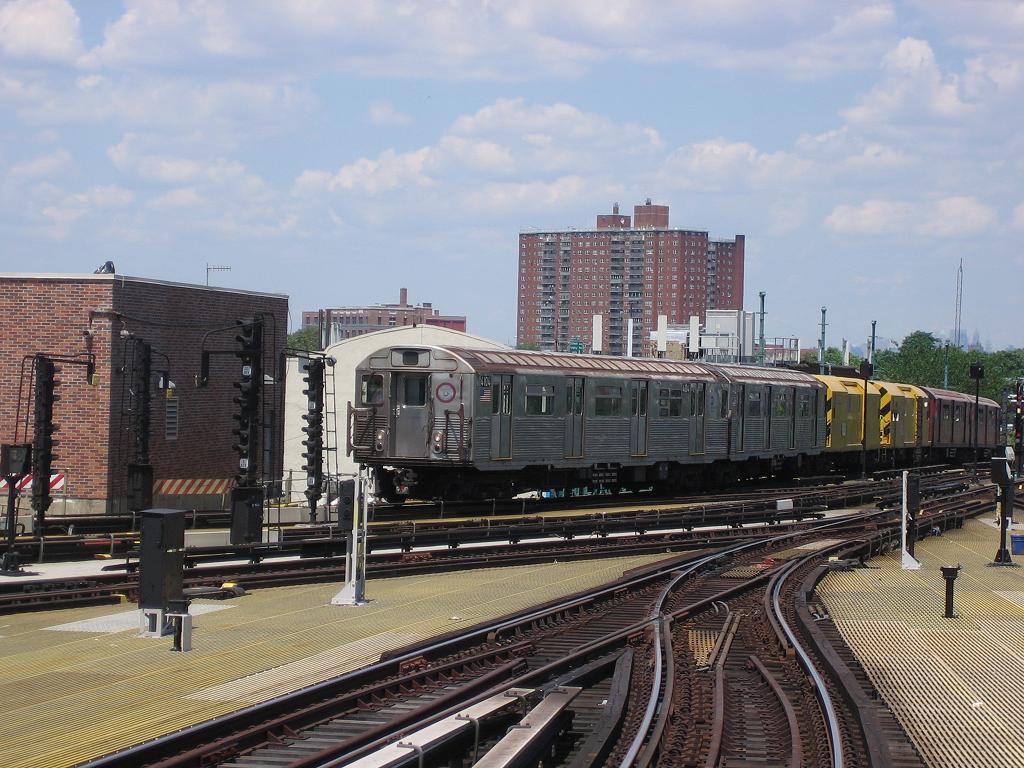 (149k, 1024x768)<br><b>Country:</b> United States<br><b>City:</b> New York<br><b>System:</b> New York City Transit<br><b>Location:</b> Coney Island/Stillwell Avenue<br><b>Route:</b> Work Service<br><b>Car:</b> R-38 (St. Louis, 1966-1967)  4104 <br><b>Photo by:</b> Michael Hodurski<br><b>Date:</b> 7/24/2006<br><b>Viewed (this week/total):</b> 2 / 3062