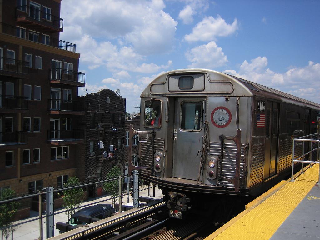 (128k, 1024x768)<br><b>Country:</b> United States<br><b>City:</b> New York<br><b>System:</b> New York City Transit<br><b>Location:</b> Coney Island/Stillwell Avenue<br><b>Route:</b> Work Service<br><b>Car:</b> R-38 (St. Louis, 1966-1967)  4104 <br><b>Photo by:</b> Michael Hodurski<br><b>Date:</b> 7/24/2006<br><b>Viewed (this week/total):</b> 1 / 2281