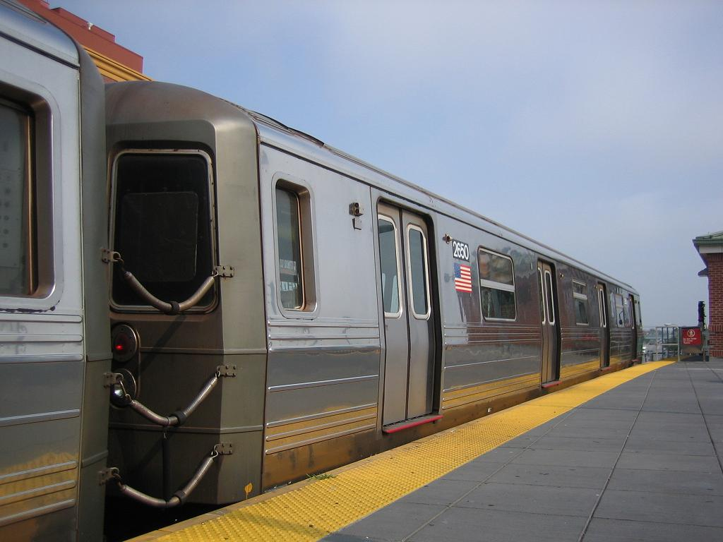 (89k, 1024x768)<br><b>Country:</b> United States<br><b>City:</b> New York<br><b>System:</b> New York City Transit<br><b>Location:</b> Coney Island/Stillwell Avenue<br><b>Route:</b> D<br><b>Car:</b> R-68 (Westinghouse-Amrail, 1986-1988)  2650 <br><b>Photo by:</b> Michael Hodurski<br><b>Date:</b> 7/26/2006<br><b>Viewed (this week/total):</b> 2 / 2160