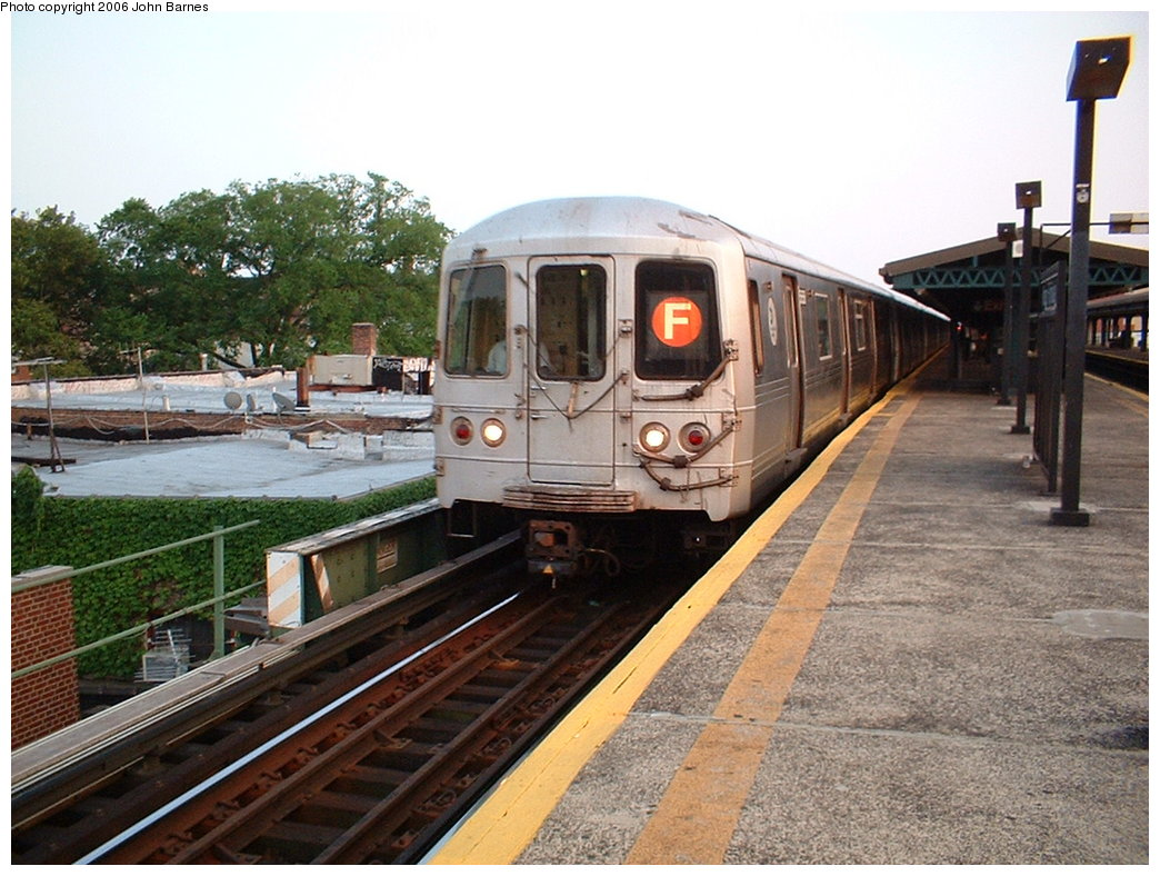 (202k, 1044x788)<br><b>Country:</b> United States<br><b>City:</b> New York<br><b>System:</b> New York City Transit<br><b>Line:</b> BMT Culver Line<br><b>Location:</b> Kings Highway<br><b>Route:</b> F<br><b>Car:</b> R-46 (Pullman-Standard, 1974-75)  <br><b>Photo by:</b> John Barnes<br><b>Date:</b> 7/26/2006<br><b>Viewed (this week/total):</b> 0 / 3107