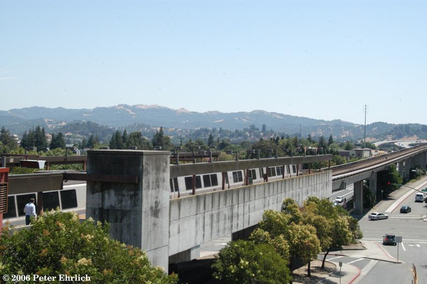 (173k, 864x574)<br><b>Country:</b> United States<br><b>City:</b> San Francisco/Bay Area, CA<br><b>System:</b> BART<br><b>Location:</b> Walnut Creek <br><b>Car:</b> BART 393 <br><b>Photo by:</b> Peter Ehrlich<br><b>Date:</b> 7/21/2006<br><b>Notes:</b> Walnut Creek Station westbound.<br><b>Viewed (this week/total):</b> 0 / 1564