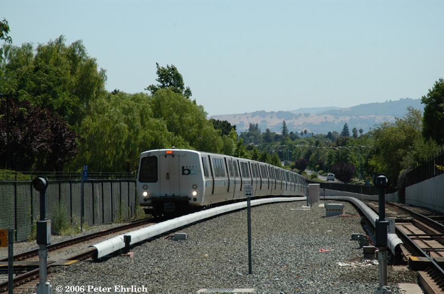 (213k, 864x574)<br><b>Country:</b> United States<br><b>City:</b> San Francisco/Bay Area, CA<br><b>System:</b> BART<br><b>Location:</b> North Concord <br><b>Car:</b> BART 445 <br><b>Photo by:</b> Peter Ehrlich<br><b>Date:</b> 7/17/2006<br><b>Notes:</b> Eastbound train approaching North Concord Station.<br><b>Viewed (this week/total):</b> 1 / 1400