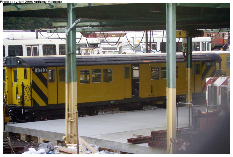 (146k, 820x552)<br><b>Country:</b> United States<br><b>City:</b> New York<br><b>System:</b> New York City Transit<br><b>Location:</b> 36th Street Yard<br><b>Car:</b> R-161 Rider Car (ex-R-33)  RD410 (ex-8954)<br><b>Photo by:</b> Anthony Maimone<br><b>Date:</b> 7/23/2006<br><b>Viewed (this week/total):</b> 1 / 2656