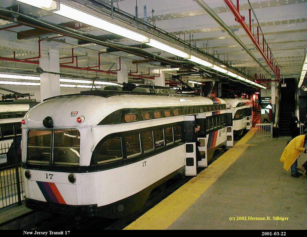 (252k, 1024x792)<br><b>Country:</b> United States<br><b>City:</b> Newark, NJ<br><b>System:</b> Newark City Subway<br><b>Location:</b> Penn Station <br><b>Car:</b> NJTransit/PSCT PCC (Ex-Twin City) (St. Louis Car Co., 1946-1947) 17 <br><b>Photo by:</b> Herman R. Silbiger<br><b>Date:</b> 3/22/2001<br><b>Viewed (this week/total):</b> 0 / 2422