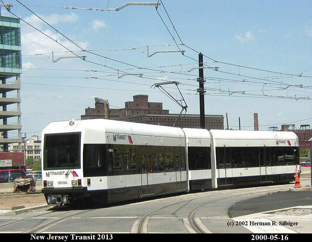 (216k, 1024x793)<br><b>Country:</b> United States<br><b>City:</b> Jersey City, NJ<br><b>System:</b> Hudson Bergen Light Rail<br><b>Location:</b> Harborside <br><b>Car:</b> NJT-HBLR LRV (Kinki-Sharyo, 1998-99)  2013 <br><b>Photo by:</b> Herman R. Silbiger<br><b>Date:</b> 5/16/2000<br><b>Viewed (this week/total):</b> 0 / 1147