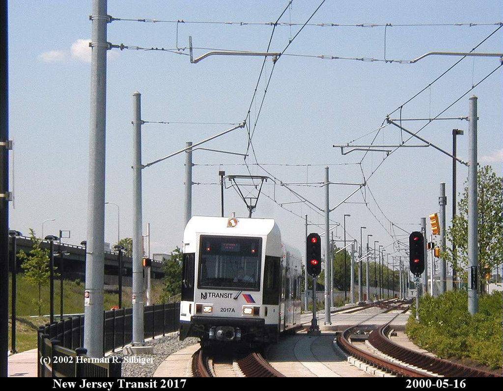 (224k, 1024x796)<br><b>Country:</b> United States<br><b>City:</b> Jersey City, NJ<br><b>System:</b> Hudson Bergen Light Rail<br><b>Location:</b> Liberty State Park <br><b>Car:</b> NJT-HBLR LRV (Kinki-Sharyo, 1998-99)  2017 <br><b>Photo by:</b> Herman R. Silbiger<br><b>Date:</b> 5/16/2000<br><b>Viewed (this week/total):</b> 1 / 1459