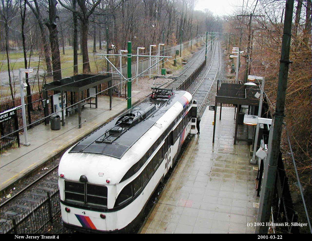 (271k, 1024x792)<br><b>Country:</b> United States<br><b>City:</b> Newark, NJ<br><b>System:</b> Newark City Subway<br><b>Location:</b> Davenport Avenue <br><b>Car:</b> NJTransit/PSCT PCC (Ex-Twin City) (St. Louis Car Co., 1946-1947) 4 <br><b>Photo by:</b> Herman R. Silbiger<br><b>Date:</b> 3/22/2001<br><b>Viewed (this week/total):</b> 0 / 1819