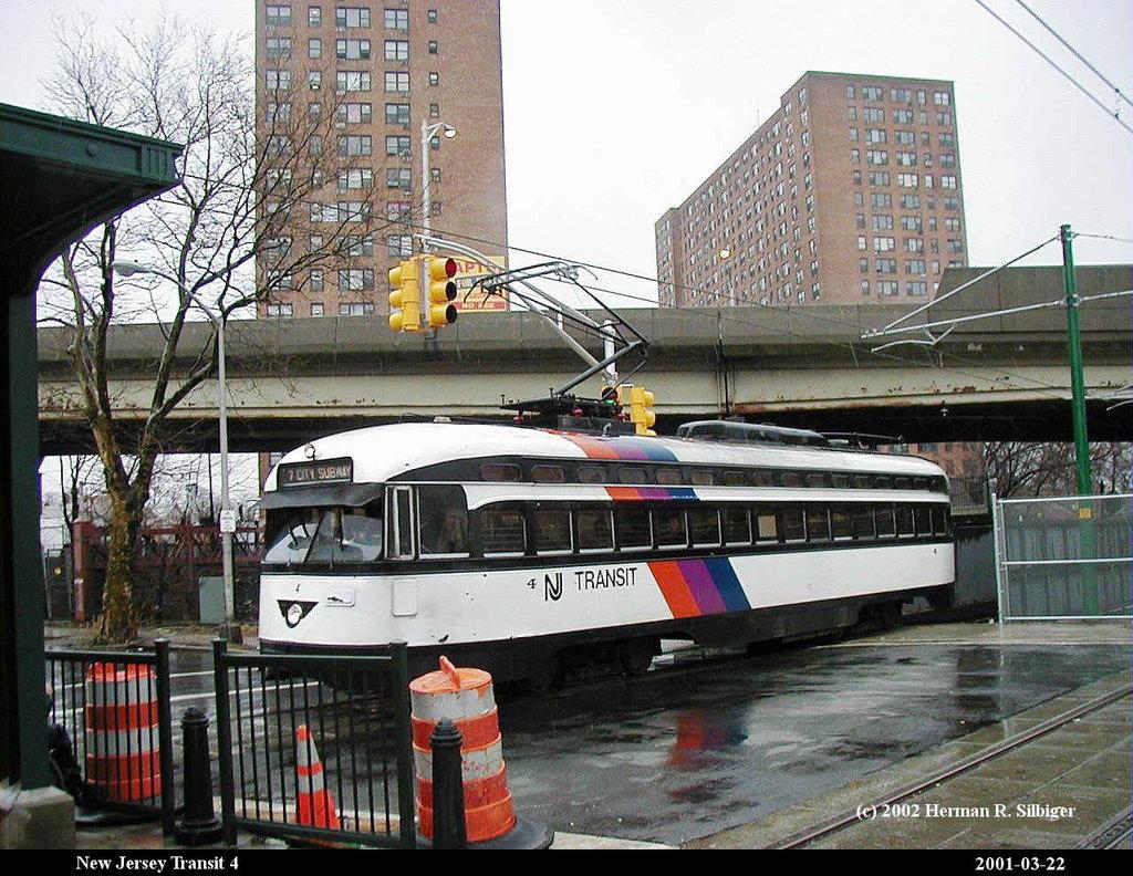 (257k, 1024x792)<br><b>Country:</b> United States<br><b>City:</b> Newark, NJ<br><b>System:</b> Newark City Subway<br><b>Location:</b> Orange Street <br><b>Car:</b> NJTransit/PSCT PCC (Ex-Twin City) (St. Louis Car Co., 1946-1947) 4 <br><b>Photo by:</b> Herman R. Silbiger<br><b>Date:</b> 3/22/2001<br><b>Viewed (this week/total):</b> 1 / 1923
