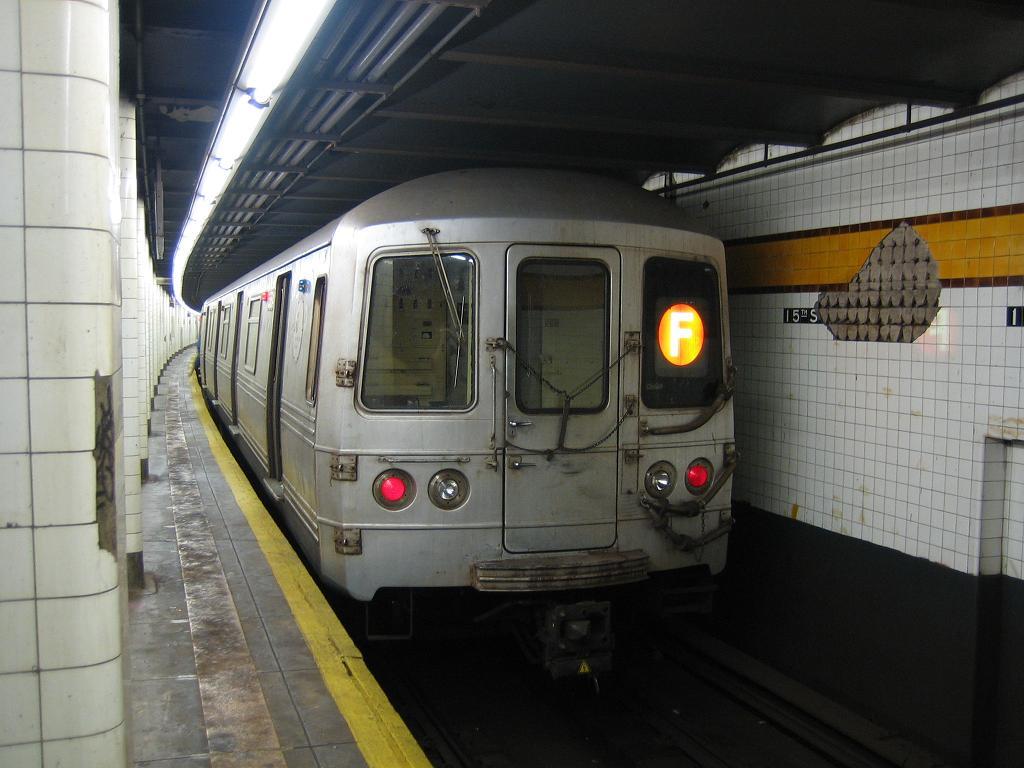 (104k, 1024x768)<br><b>Country:</b> United States<br><b>City:</b> New York<br><b>System:</b> New York City Transit<br><b>Line:</b> IND Crosstown Line<br><b>Location:</b> 15th Street/Prospect Park <br><b>Route:</b> F<br><b>Car:</b> R-46 (Pullman-Standard, 1974-75) 5514 <br><b>Photo by:</b> Michael Hodurski<br><b>Date:</b> 8/11/2006<br><b>Viewed (this week/total):</b> 0 / 3166