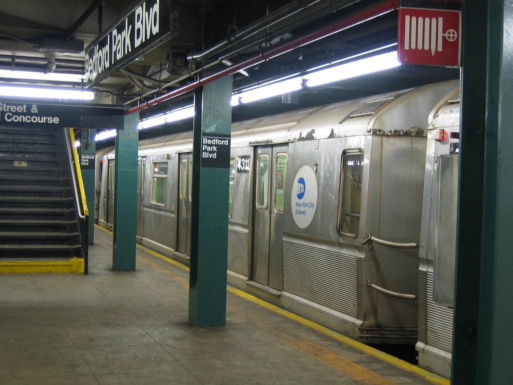 (116k, 1024x768)<br><b>Country:</b> United States<br><b>City:</b> New York<br><b>System:</b> New York City Transit<br><b>Line:</b> IND Concourse Line<br><b>Location:</b> Bedford Park Boulevard <br><b>Route:</b> B<br><b>Car:</b> R-40 (St. Louis, 1968)  4311 <br><b>Photo by:</b> Michael Hodurski<br><b>Date:</b> 8/11/2006<br><b>Viewed (this week/total):</b> 1 / 2169
