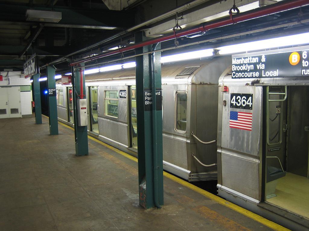 (126k, 1024x768)<br><b>Country:</b> United States<br><b>City:</b> New York<br><b>System:</b> New York City Transit<br><b>Line:</b> IND Concourse Line<br><b>Location:</b> Bedford Park Boulevard <br><b>Route:</b> B<br><b>Car:</b> R-40 (St. Louis, 1968)  4365 <br><b>Photo by:</b> Michael Hodurski<br><b>Date:</b> 8/11/2006<br><b>Viewed (this week/total):</b> 0 / 3177