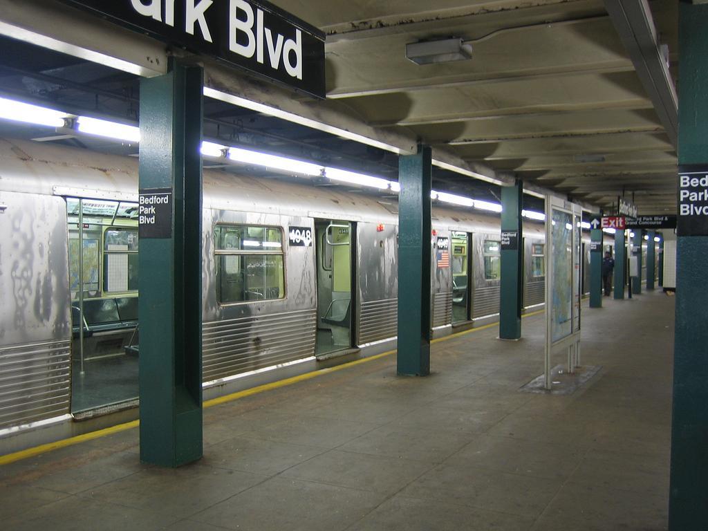 (104k, 1024x768)<br><b>Country:</b> United States<br><b>City:</b> New York<br><b>System:</b> New York City Transit<br><b>Line:</b> IND Concourse Line<br><b>Location:</b> Bedford Park Boulevard <br><b>Route:</b> B<br><b>Car:</b> R-42 (St. Louis, 1969-1970)  4949 <br><b>Photo by:</b> Michael Hodurski<br><b>Date:</b> 8/11/2006<br><b>Viewed (this week/total):</b> 1 / 2630