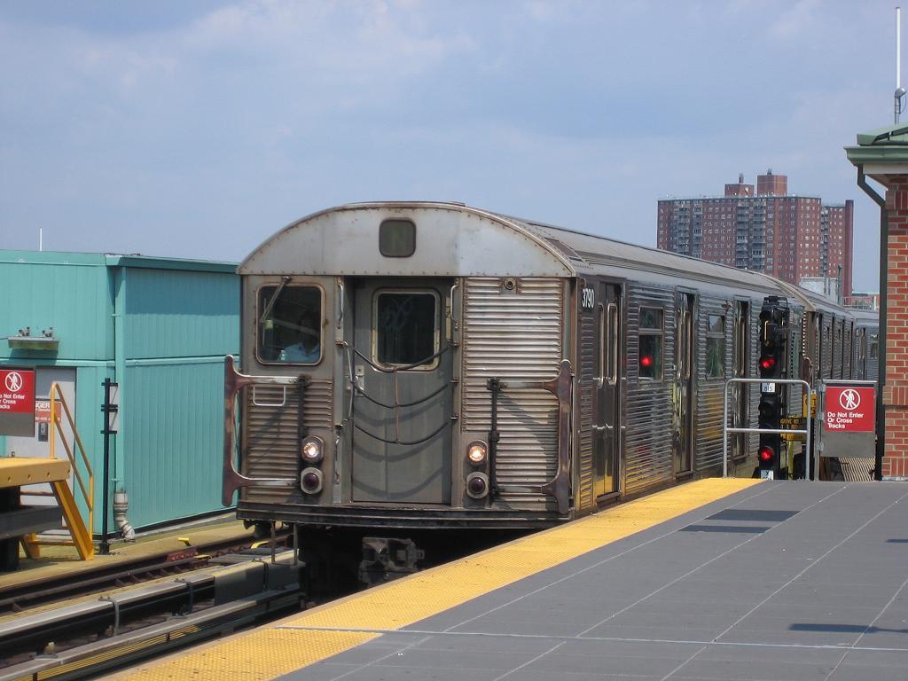 (107k, 1024x768)<br><b>Country:</b> United States<br><b>City:</b> New York<br><b>System:</b> New York City Transit<br><b>Location:</b> Coney Island/Stillwell Avenue<br><b>Route:</b> N<br><b>Car:</b> R-32 (Budd, 1964)  3790 <br><b>Photo by:</b> Michael Hodurski<br><b>Date:</b> 8/10/2006<br><b>Viewed (this week/total):</b> 1 / 2099