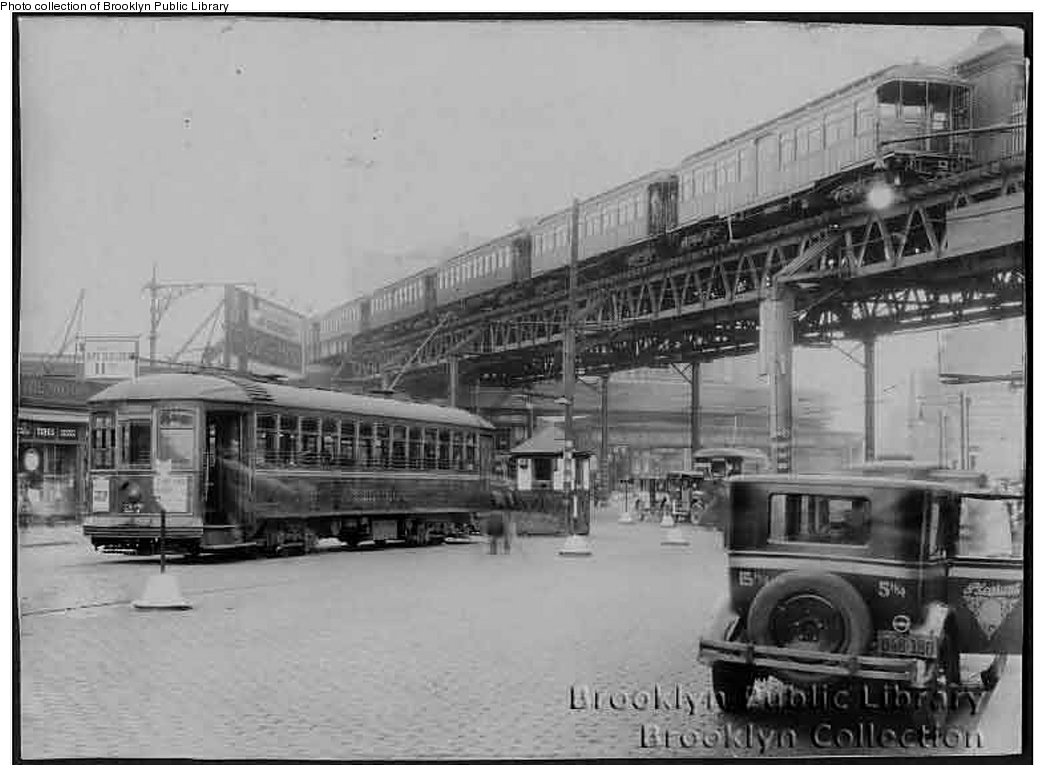 (143k, 1044x775)<br><b>Country:</b> United States<br><b>City:</b> New York<br><b>System:</b> New York City Transit<br><b>Line:</b> BMT Fulton<br><b>Location:</b> Flatbush Avenue <br><b>Collection of:</b> Brooklyn Public Library (via Herbert Maruska)<br><b>Date:</b> 1927<br><b>Notes:</b> Flatbush Ave. station view at Nevins St.<br><b>Viewed (this week/total):</b> 0 / 1835