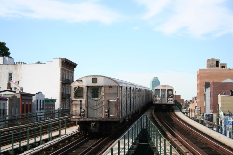 (102k, 800x533)<br><b>Country:</b> United States<br><b>City:</b> New York<br><b>System:</b> New York City Transit<br><b>Line:</b> BMT Astoria Line<br><b>Location:</b> Astoria Boulevard/Hoyt Avenue <br><b>Route:</b> N<br><b>Car:</b> R-32 (Budd, 1964)  3463 <br><b>Photo by:</b> Neil Feldman<br><b>Date:</b> 8/11/2006<br><b>Viewed (this week/total):</b> 0 / 2603