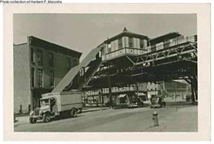 (64k, 717x483)<br><b>Country:</b> United States<br><b>City:</b> New York<br><b>System:</b> New York City Transit<br><b>Line:</b> BMT Fulton<br><b>Location:</b> Vanderbilt Avenue <br><b>Collection of:</b> Herbert P. Maruska<br><b>Date:</b> 1941<br><b>Viewed (this week/total):</b> 0 / 2193