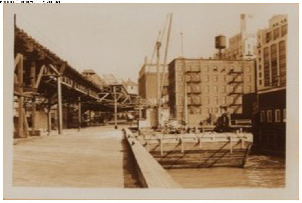 (95k, 1044x702)<br><b>Country:</b> United States<br><b>City:</b> New York<br><b>System:</b> New York City Transit<br><b>Line:</b> BMT Fulton<br><b>Location:</b> Fulton Ferry (Brooklyn) <br><b>Collection of:</b> Herbert P. Maruska<br><b>Date:</b> 1932<br><b>Viewed (this week/total):</b> 3 / 1907
