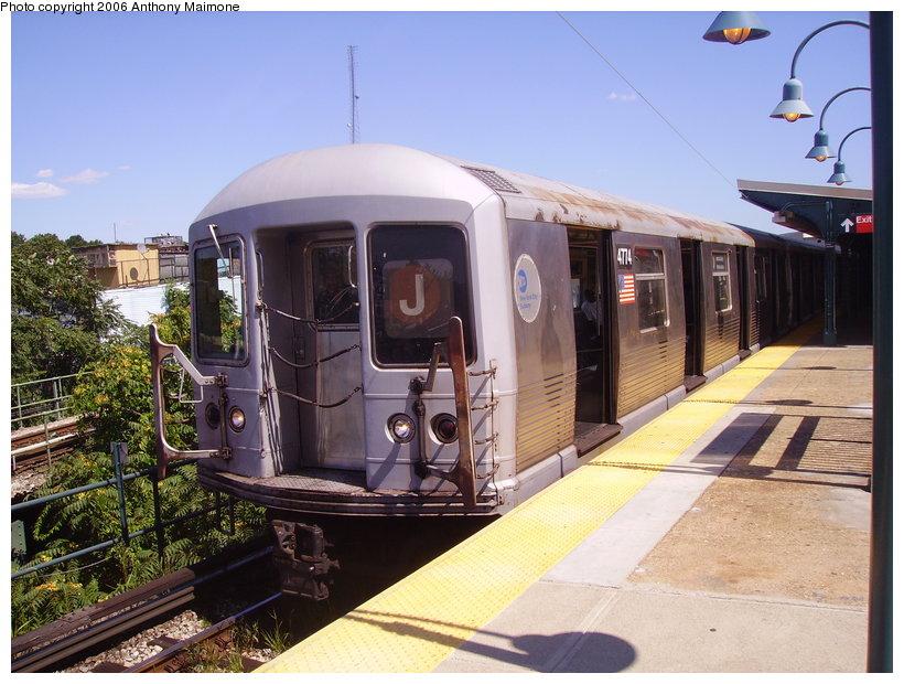 (142k, 820x620)<br><b>Country:</b> United States<br><b>City:</b> New York<br><b>System:</b> New York City Transit<br><b>Line:</b> BMT Nassau Street/Jamaica Line<br><b>Location:</b> Broadway/East New York (Broadway Junction) <br><b>Route:</b> J<br><b>Car:</b> R-42 (St. Louis, 1969-1970)  4774 <br><b>Photo by:</b> Anthony Maimone<br><b>Date:</b> 8/13/2006<br><b>Viewed (this week/total):</b> 0 / 2502