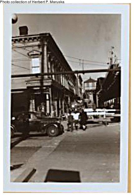 (72k, 431x628)<br><b>Country:</b> United States<br><b>City:</b> New York<br><b>System:</b> New York City Transit<br><b>Line:</b> BMT Fulton<br><b>Location:</b> Montauk Avenue <br><b>Photo by:</b> Herbert P. Maruska<br><b>Date:</b> 1941<br><b>Notes:</b> Montauk Ave station at Atkins Street with El on Pitkin Ave.<br><b>Viewed (this week/total):</b> 0 / 1668