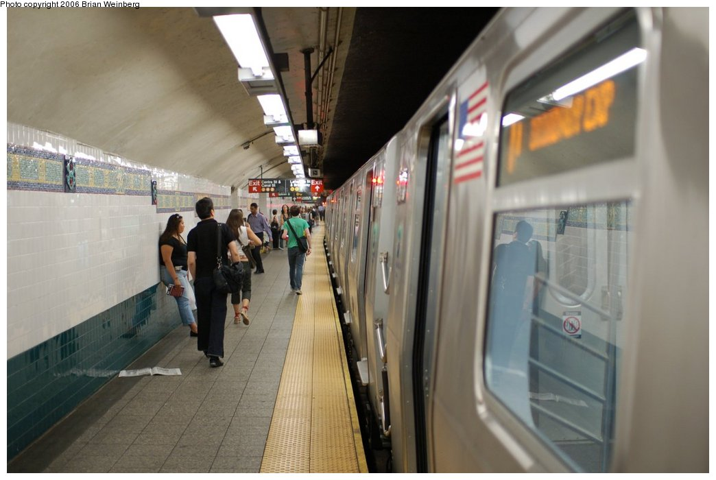 (175k, 1044x700)<br><b>Country:</b> United States<br><b>City:</b> New York<br><b>System:</b> New York City Transit<br><b>Line:</b> BMT Broadway Line<br><b>Location:</b> Canal Street Bridge Line <br><b>Route:</b> N<br><b>Car:</b> R-160B (Kawasaki, 2005-2008)  8713 <br><b>Photo by:</b> Brian Weinberg<br><b>Date:</b> 8/17/2006<br><b>Notes:</b> First revenue run of the R-160 fleet as part of the 30-day test.<br><b>Viewed (this week/total):</b> 4 / 5817