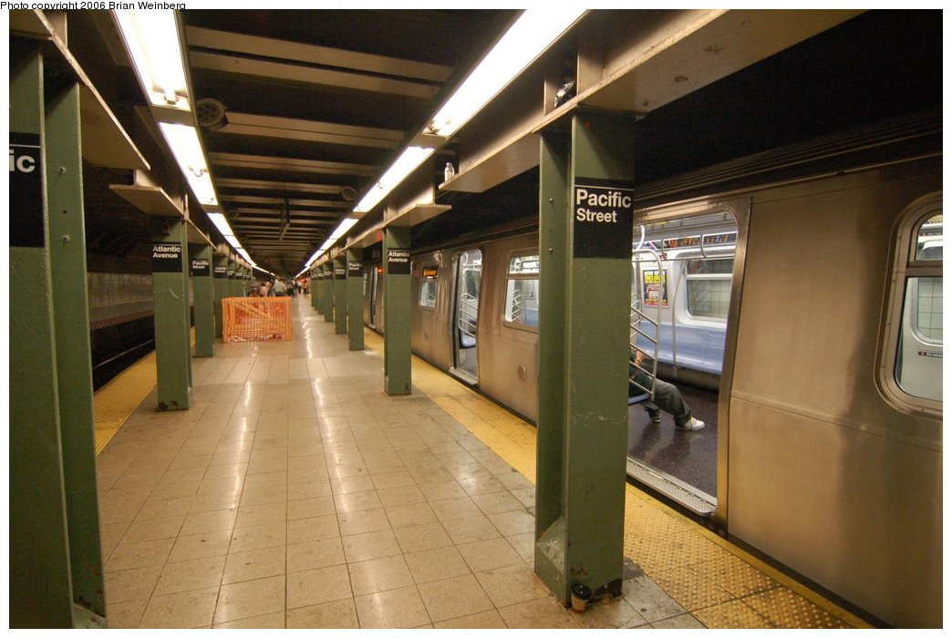 (200k, 1044x700)<br><b>Country:</b> United States<br><b>City:</b> New York<br><b>System:</b> New York City Transit<br><b>Line:</b> BMT 4th Avenue<br><b>Location:</b> Pacific Street <br><b>Route:</b> N<br><b>Car:</b> R-160B (Kawasaki, 2005-2008)  8713 <br><b>Photo by:</b> Brian Weinberg<br><b>Date:</b> 8/17/2006<br><b>Notes:</b> First revenue run of the R-160 fleet as part of the 30-day test.<br><b>Viewed (this week/total):</b> 1 / 4241