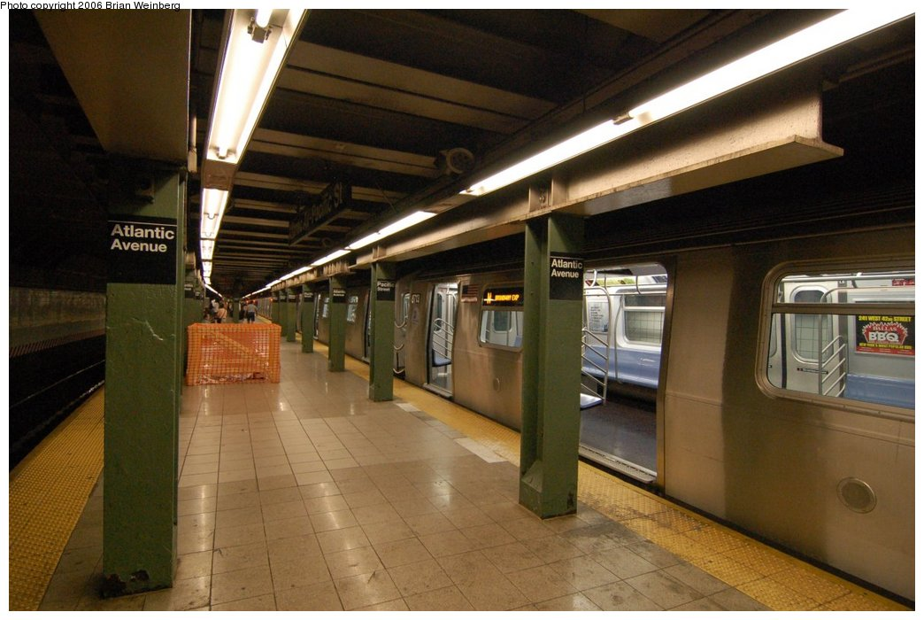 (199k, 1044x700)<br><b>Country:</b> United States<br><b>City:</b> New York<br><b>System:</b> New York City Transit<br><b>Line:</b> BMT 4th Avenue<br><b>Location:</b> Pacific Street <br><b>Route:</b> N<br><b>Car:</b> R-160B (Kawasaki, 2005-2008)  8713 <br><b>Photo by:</b> Brian Weinberg<br><b>Date:</b> 8/17/2006<br><b>Notes:</b> First revenue run of the R-160 fleet as part of the 30-day test.<br><b>Viewed (this week/total):</b> 1 / 5078