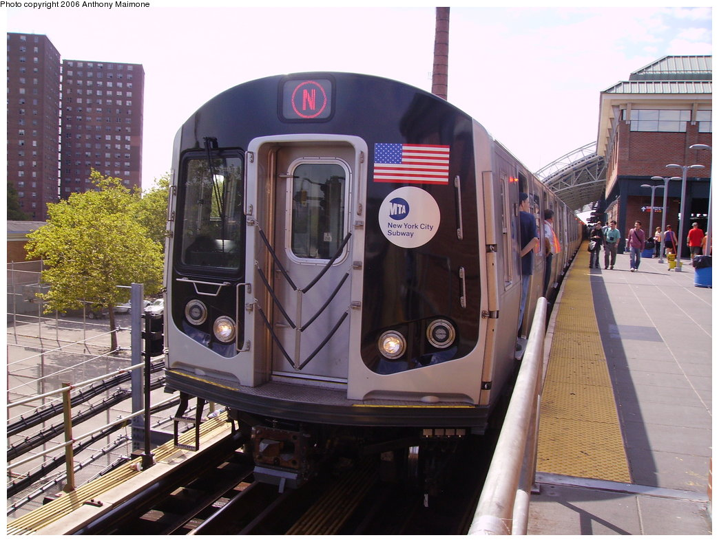 (206k, 1044x788)<br><b>Country:</b> United States<br><b>City:</b> New York<br><b>System:</b> New York City Transit<br><b>Location:</b> Coney Island/Stillwell Avenue<br><b>Route:</b> N<br><b>Car:</b> R-160B (Kawasaki, 2005-2008)  8713 <br><b>Photo by:</b> Anthony Maimone<br><b>Date:</b> 8/17/2006<br><b>Notes:</b> First day of revenue service of the R-160B fleet as part of the 30-day test.<br><b>Viewed (this week/total):</b> 4 / 3900