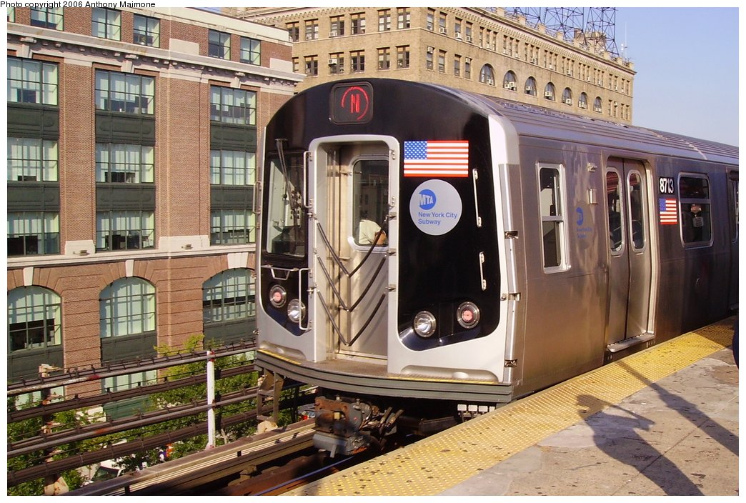 (212k, 1044x704)<br><b>Country:</b> United States<br><b>City:</b> New York<br><b>System:</b> New York City Transit<br><b>Line:</b> BMT Astoria Line<br><b>Location:</b> Queensborough Plaza <br><b>Route:</b> N<br><b>Car:</b> R-160B (Kawasaki, 2005-2008)  8713 <br><b>Photo by:</b> Anthony Maimone<br><b>Date:</b> 8/17/2006<br><b>Notes:</b> First day of revenue service of the R-160B fleet as part of the 30-day test.<br><b>Viewed (this week/total):</b> 0 / 3953