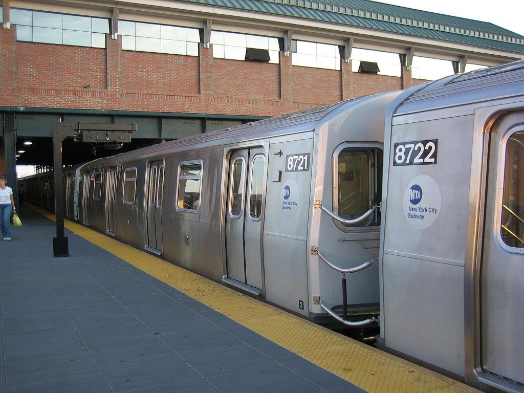 (128k, 1024x768)<br><b>Country:</b> United States<br><b>City:</b> New York<br><b>System:</b> New York City Transit<br><b>Location:</b> Coney Island/Stillwell Avenue<br><b>Route:</b> N<br><b>Car:</b> R-160B (Kawasaki, 2005-2008)  8721 <br><b>Photo by:</b> Michael Hodurski<br><b>Date:</b> 8/17/2006<br><b>Viewed (this week/total):</b> 2 / 3755
