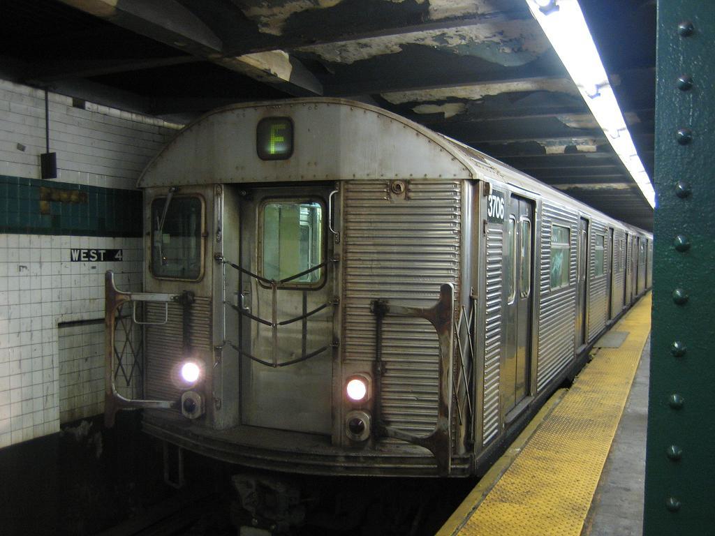 (115k, 1024x768)<br><b>Country:</b> United States<br><b>City:</b> New York<br><b>System:</b> New York City Transit<br><b>Line:</b> IND 6th Avenue Line<br><b>Location:</b> West 4th Street/Washington Square <br><b>Route:</b> F<br><b>Car:</b> R-32 (Budd, 1964)  3706 <br><b>Photo by:</b> Michael Hodurski<br><b>Date:</b> 8/12/2006<br><b>Notes:</b> Northbound platform.<br><b>Viewed (this week/total):</b> 1 / 3068