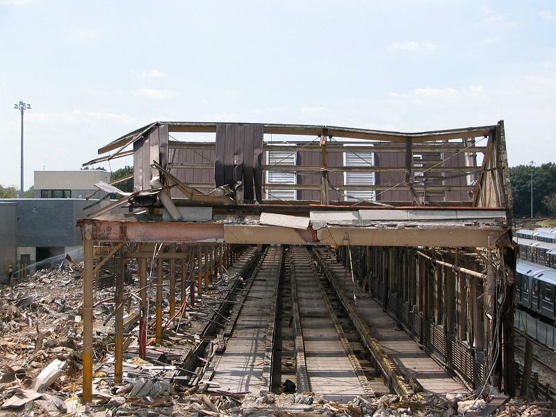 (183k, 800x600)<br><b>Country:</b> United States<br><b>City:</b> New York<br><b>System:</b> New York City Transit<br><b>Location:</b> Corona Shops<br><b>Photo by:</b> Dante D. Angerville<br><b>Date:</b> 8/22/2006<br><b>Notes:</b> Demolition of old car barn.<br><b>Viewed (this week/total):</b> 1 / 2532