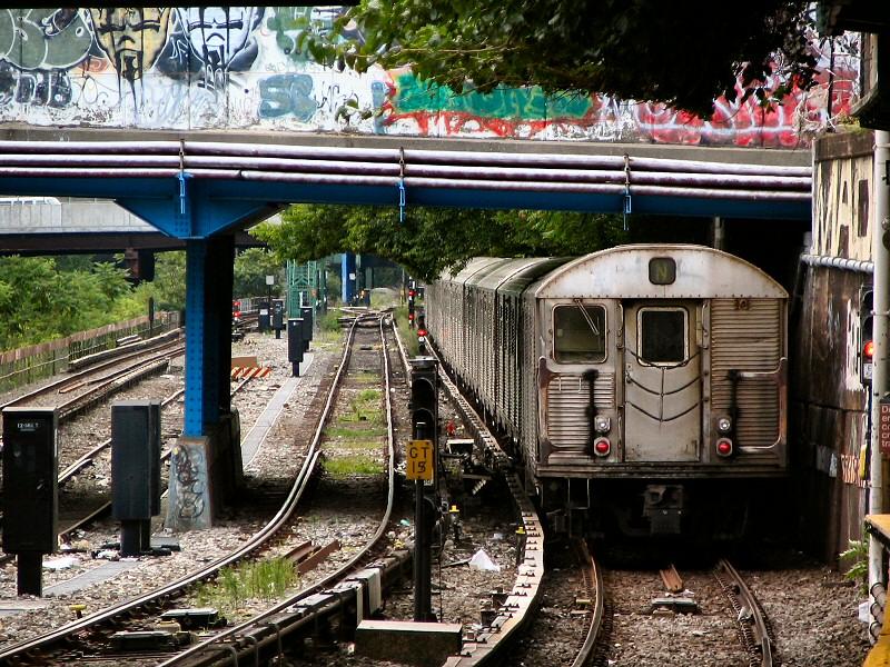 (242k, 800x600)<br><b>Country:</b> United States<br><b>City:</b> New York<br><b>System:</b> New York City Transit<br><b>Line:</b> BMT Sea Beach Line<br><b>Location:</b> 8th Avenue <br><b>Route:</b> N<br><b>Car:</b> R-32 (Budd, 1964)  3858 <br><b>Photo by:</b> Dante D. Angerville<br><b>Date:</b> 8/22/2006<br><b>Viewed (this week/total):</b> 0 / 4225