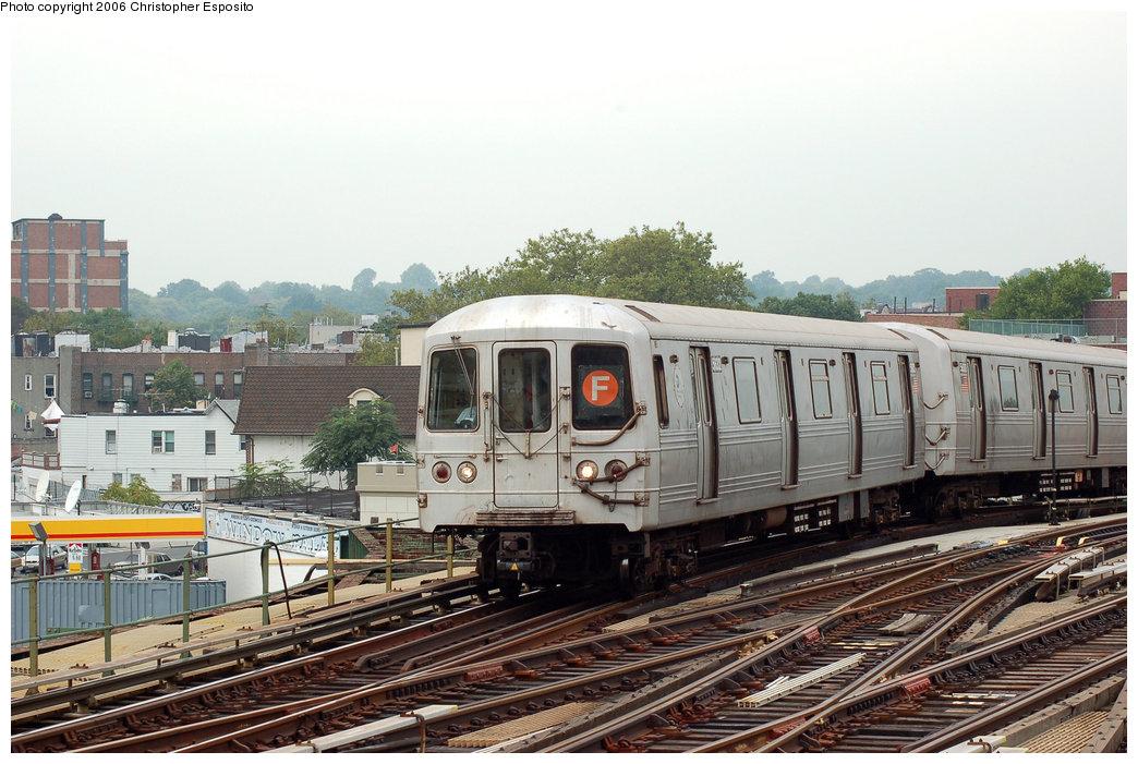 (200k, 1044x701)<br><b>Country:</b> United States<br><b>City:</b> New York<br><b>System:</b> New York City Transit<br><b>Line:</b> BMT Culver Line<br><b>Location:</b> Ditmas Avenue <br><b>Route:</b> F<br><b>Car:</b> R-46 (Pullman-Standard, 1974-75) 5632 <br><b>Photo by:</b> Christopher Esposito<br><b>Date:</b> 8/25/2006<br><b>Viewed (this week/total):</b> 0 / 2837