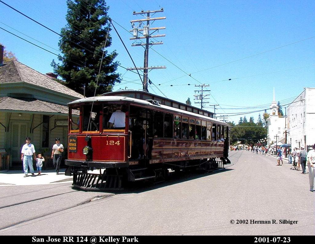 (219k, 1024x795)<br><b>Country:</b> United States<br><b>City:</b> San Jose, CA<br><b>System:</b> Kelley Park Vintage Trolley <br><b>Car:</b>  124 <br><b>Photo by:</b> Herman R. Silbiger<br><b>Date:</b> 7/23/2001<br><b>Viewed (this week/total):</b> 3 / 1263
