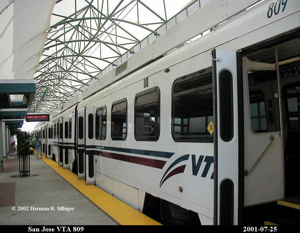 (189k, 1024x795)<br><b>Country:</b> United States<br><b>City:</b> San Jose, CA<br><b>System:</b> Santa Clara VTA<br><b>Line:</b> VTA Tasman East/Capitol<br><b>Location:</b> Baypointe <br><b>Car:</b> VTA UTDC 809 <br><b>Photo by:</b> Herman R. Silbiger<br><b>Date:</b> 7/25/2001<br><b>Viewed (this week/total):</b> 0 / 1405