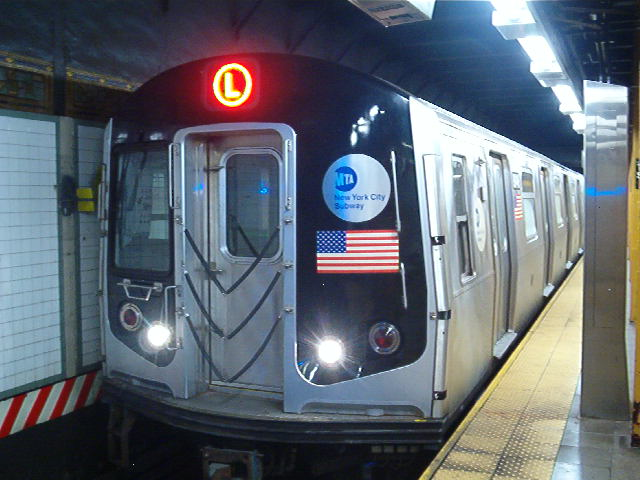 (64k, 640x480)<br><b>Country:</b> United States<br><b>City:</b> New York<br><b>System:</b> New York City Transit<br><b>Line:</b> BMT Canarsie Line<br><b>Location:</b> Union Square <br><b>Route:</b> L<br><b>Car:</b> R-143 (Kawasaki, 2001-2002) 8148 <br><b>Photo by:</b> John Barnes<br><b>Date:</b> 8/26/2006<br><b>Viewed (this week/total):</b> 4 / 3832