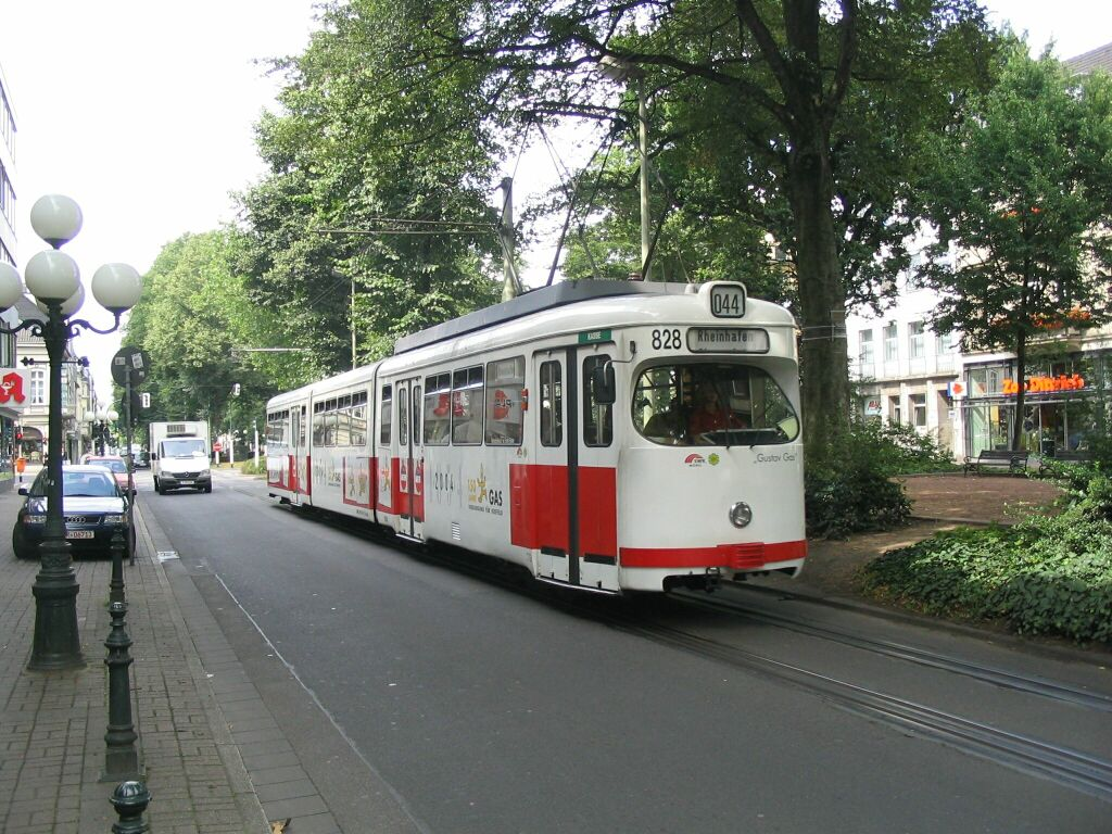 (185k, 1024x768)<br><b>Country:</b> Germany<br><b>City:</b> Krefeld<br><b>System:</b> SWK (Stadtwerke Krefeld)<br><b>Location:</b> Ostwall<br><b>Route:</b> 044<br><b>Car:</b> Krefeld Tram 828 <br><b>Photo by:</b> Jos Straathof<br><b>Date:</b> 7/27/2005<br><b>Viewed (this week/total):</b> 1 / 966