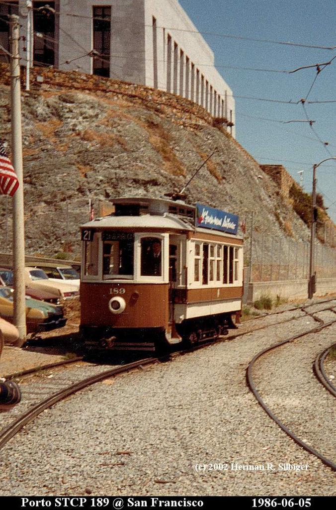 (239k, 676x1025)<br><b>Country:</b> United States<br><b>City:</b> San Francisco/Bay Area, CA<br><b>System:</b> SF MUNI<br><b>Location:</b> Duboce PRW bet. Market/Church <br><b>Car:</b> Porto Tram 189 <br><b>Photo by:</b> Herman R. Silbiger<br><b>Date:</b> 6/5/1986<br><b>Notes:</b> Porto, Portugal 189<br><b>Viewed (this week/total):</b> 0 / 1003