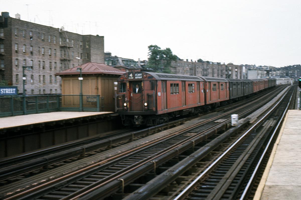 (402k, 1024x682)<br><b>Country:</b> United States<br><b>City:</b> New York<br><b>System:</b> New York City Transit<br><b>Line:</b> IRT Woodlawn Line<br><b>Location:</b> 167th Street <br><b>Route:</b> 4<br><b>Car:</b> R-33 Main Line (St. Louis, 1962-63) 9000 <br><b>Collection of:</b> David Pirmann<br><b>Viewed (this week/total):</b> 4 / 1503