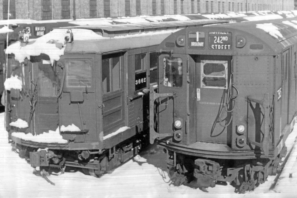 (327k, 1044x704)<br><b>Country:</b> United States<br><b>City:</b> New York<br><b>System:</b> New York City Transit<br><b>Location:</b> East 180th Street Yard<br><b>Car:</b> Hi-V 3662 <br><b>Collection of:</b> David Pirmann<br><b>Viewed (this week/total):</b> 2 / 2620