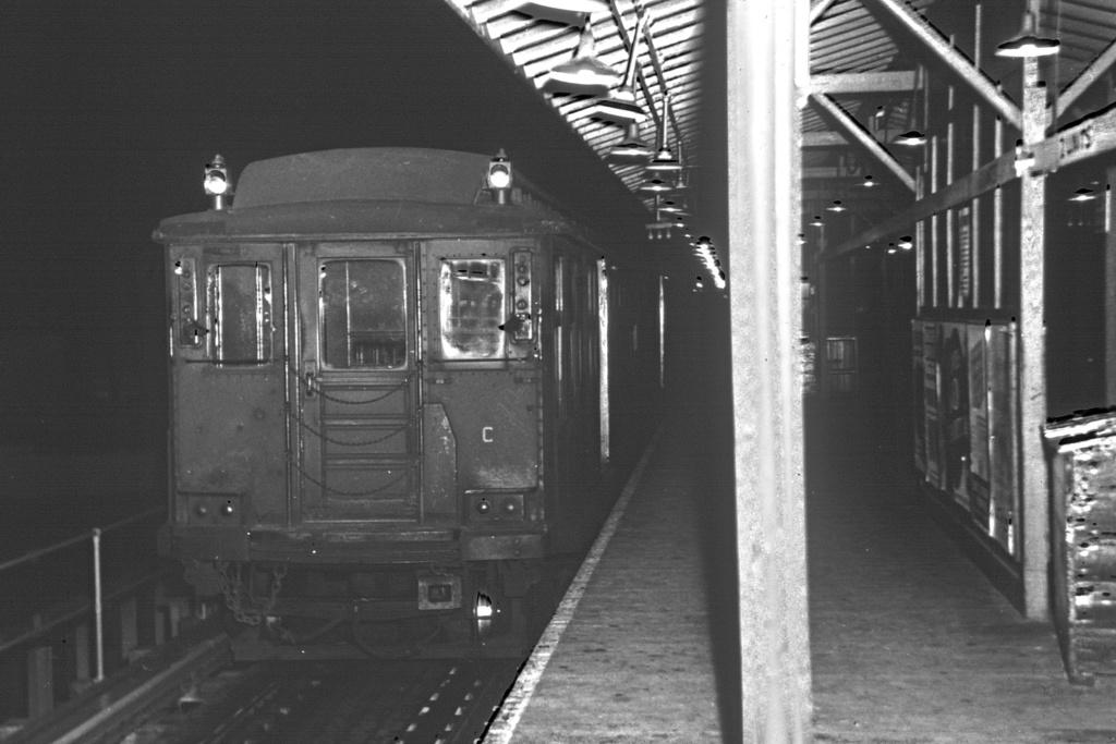 (223k, 1024x683)<br><b>Country:</b> United States<br><b>City:</b> New York<br><b>System:</b> New York City Transit<br><b>Line:</b> IND Fulton Street Line<br><b>Location:</b> Lefferts Boulevard <br><b>Car:</b> BMT C  <br><b>Collection of:</b> David Pirmann<br><b>Viewed (this week/total):</b> 1 / 2302