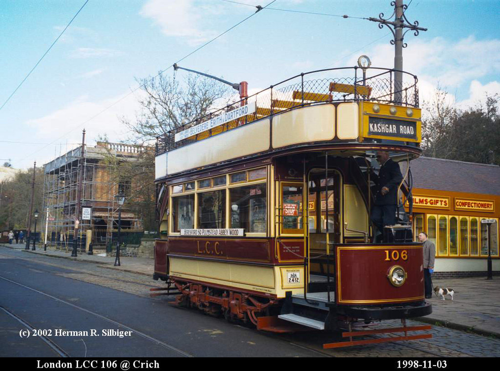 (201k, 1024x759)<br><b>Country:</b> United Kingdom<br><b>System:</b> National Tramway Museum <br><b>Photo by:</b> Herman R. Silbiger<br><b>Date:</b> 11/3/1998<br><b>Notes:</b> London 106<br><b>Viewed (this week/total):</b> 1 / 651