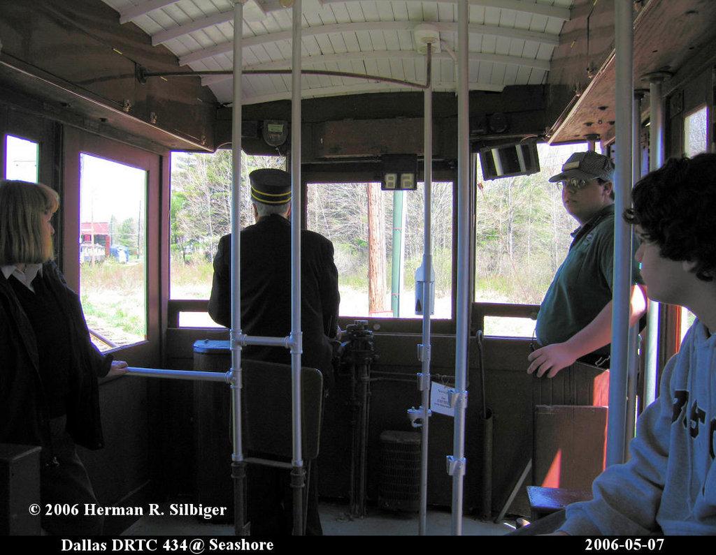 (201k, 1024x795)<br><b>Country:</b> United States<br><b>City:</b> Kennebunk, ME<br><b>System:</b> Seashore Trolley Museum <br><b>Car:</b> Dallas Railway & Terminal 434 <br><b>Photo by:</b> Herman R. Silbiger<br><b>Date:</b> 5/7/2006<br><b>Viewed (this week/total):</b> 0 / 1029