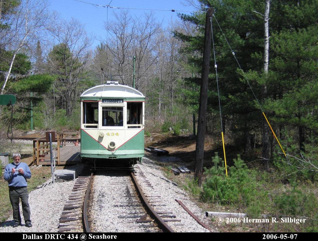 (298k, 1024x777)<br><b>Country:</b> United States<br><b>City:</b> Kennebunk, ME<br><b>System:</b> Seashore Trolley Museum <br><b>Car:</b> Dallas Railway & Terminal 434 <br><b>Photo by:</b> Herman R. Silbiger<br><b>Date:</b> 5/7/2006<br><b>Viewed (this week/total):</b> 0 / 896