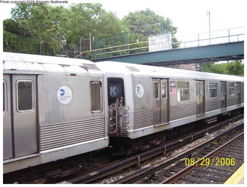 (155k, 820x620)<br><b>Country:</b> United States<br><b>City:</b> New York<br><b>System:</b> New York City Transit<br><b>Line:</b> BMT Sea Beach Line<br><b>Location:</b> 86th Street <br><b>Car:</b> R-42 (St. Louis, 1969-1970)  4847 <br><b>Photo by:</b> Aliandro Brathwaite<br><b>Date:</b> 8/29/2006<br><b>Notes:</b> Note K roll sign.<br><b>Viewed (this week/total):</b> 2 / 3680