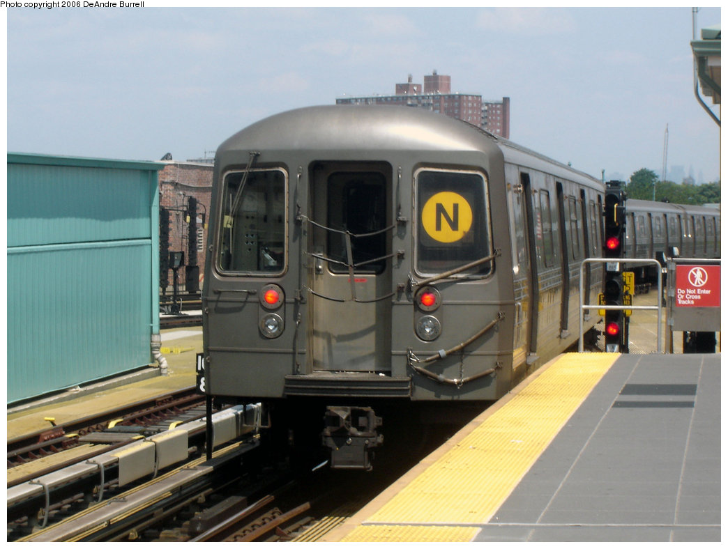 (181k, 1044x788)<br><b>Country:</b> United States<br><b>City:</b> New York<br><b>System:</b> New York City Transit<br><b>Location:</b> Coney Island/Stillwell Avenue<br><b>Route:</b> N<br><b>Car:</b> R-68 (Westinghouse-Amrail, 1986-1988)  2800 <br><b>Photo by:</b> DeAndre Burrell<br><b>Date:</b> 7/30/2006<br><b>Viewed (this week/total):</b> 0 / 2245