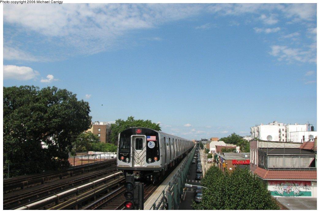 (143k, 1044x696)<br><b>Country:</b> United States<br><b>City:</b> New York<br><b>System:</b> New York City Transit<br><b>Line:</b> BMT Astoria Line<br><b>Location:</b> Broadway <br><b>Route:</b> N<br><b>Car:</b> R-160B (Kawasaki, 2005-2008)  8713 <br><b>Photo by:</b> Michael Carrigy<br><b>Date:</b> 8/17/2006<br><b>Viewed (this week/total):</b> 0 / 2909