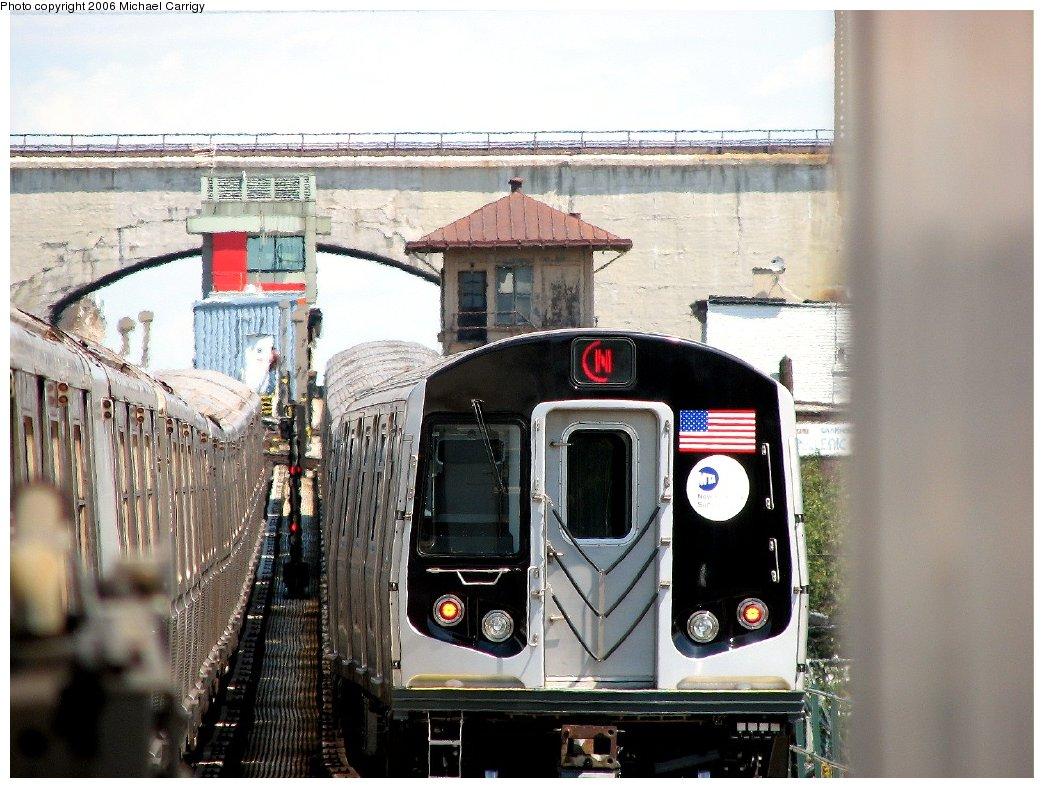 (192k, 1044x788)<br><b>Country:</b> United States<br><b>City:</b> New York<br><b>System:</b> New York City Transit<br><b>Line:</b> BMT Astoria Line<br><b>Location:</b> Astoria Boulevard/Hoyt Avenue <br><b>Route:</b> N<br><b>Car:</b> R-160B (Kawasaki, 2005-2008)  8713 <br><b>Photo by:</b> Michael Carrigy<br><b>Date:</b> 8/17/2006<br><b>Viewed (this week/total):</b> 0 / 4331