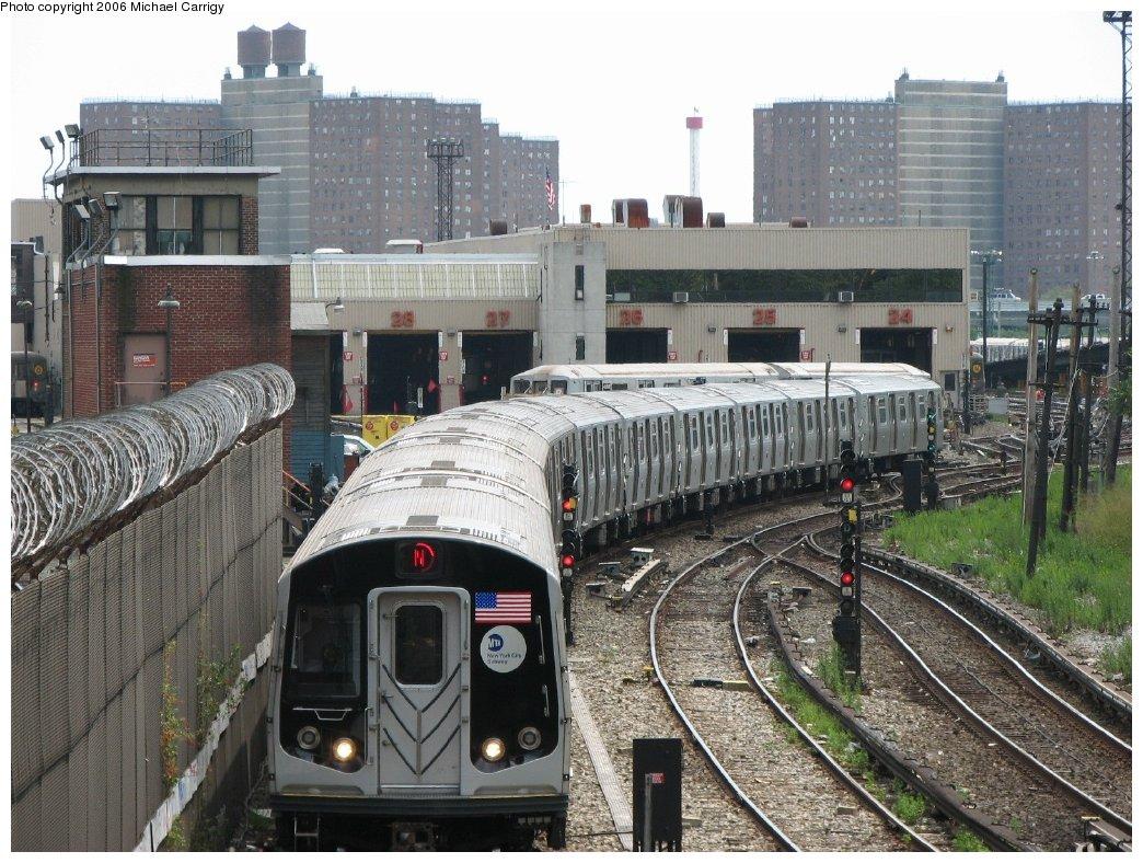 (229k, 1044x788)<br><b>Country:</b> United States<br><b>City:</b> New York<br><b>System:</b> New York City Transit<br><b>Line:</b> BMT Sea Beach Line<br><b>Location:</b> 86th Street <br><b>Route:</b> N<br><b>Car:</b> R-160B (Kawasaki, 2005-2008)  8722 <br><b>Photo by:</b> Michael Carrigy<br><b>Date:</b> 8/17/2006<br><b>Viewed (this week/total):</b> 2 / 4562